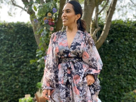 5 fresh ways to style florals all year round